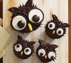 ... it s almost halloween moon pie owl pops using moon pies makes it so