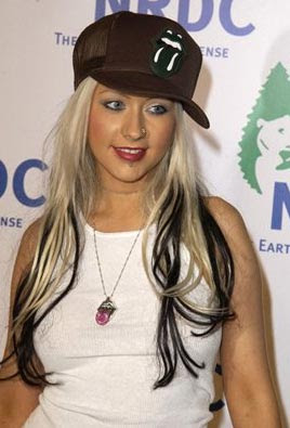 christina aguilera height and weight