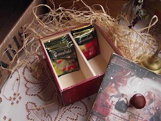 Шкатулка для чайных пакетиков в технике декупаж