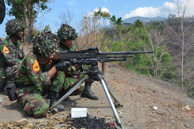 Taruna AAL Korps Marinir Latihan Senjata Bantuan Infanteri