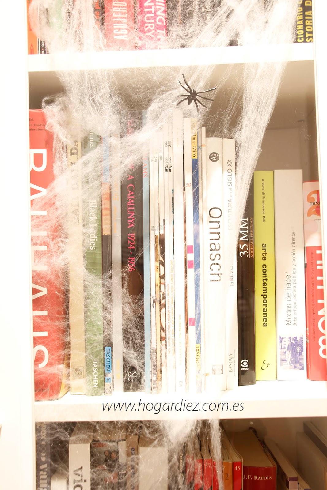 Halloween estanterías tela de araña