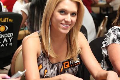 sexy poker women 640 23 [Gambar] Pemain Poker Wanita Yang Cantik Dan Seksi