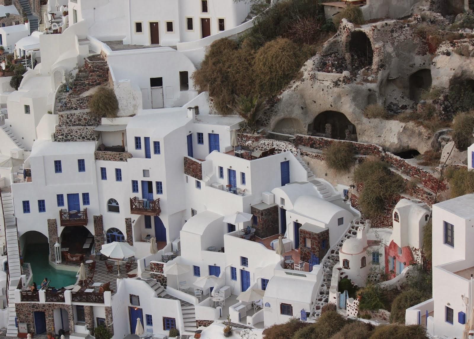 Oia (ee-ah) Santorini
