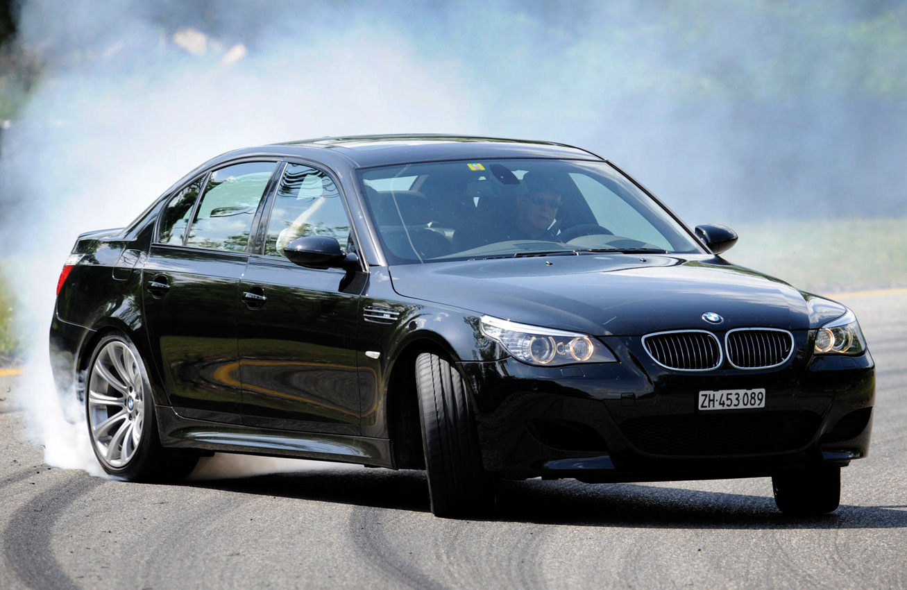 2018 Bmw M5 Unveiled With 600 Ps Awd And Rwd 119871 besides Topic25336 e61 530d M Paket 5er BMW   E60   E61 furthermore 4070 Stanced Honda Odyssey as well 2016 Bmw M5 Price Changes Specs in addition Thread. on bmw 5 touring e60
