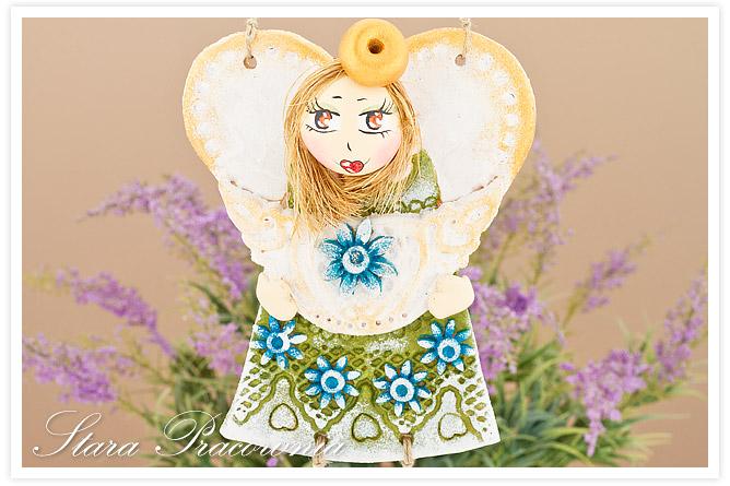 aniołek z masy solnej, anioł z masy solnej, masa solna, figurka z masy solnej, salt dough, aniołek z wiszącymi nóżkami, aniołek z doczepionymi włoskami