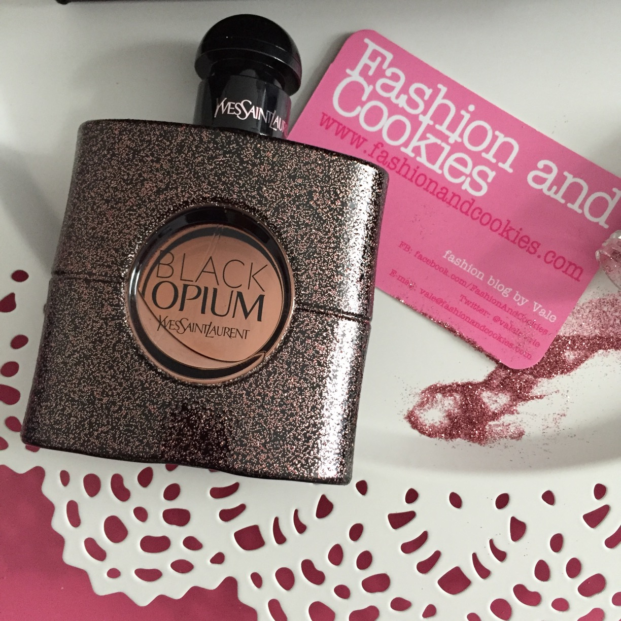 YSL Black Opium EDT review and presentation on Fashion and Cookies fashion and beauty blog