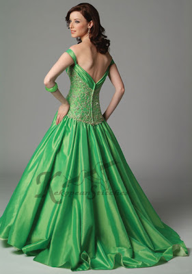 How you can Date a lady - Learn How to Be Neat and Romantic With a Female Green wedding dress design 12