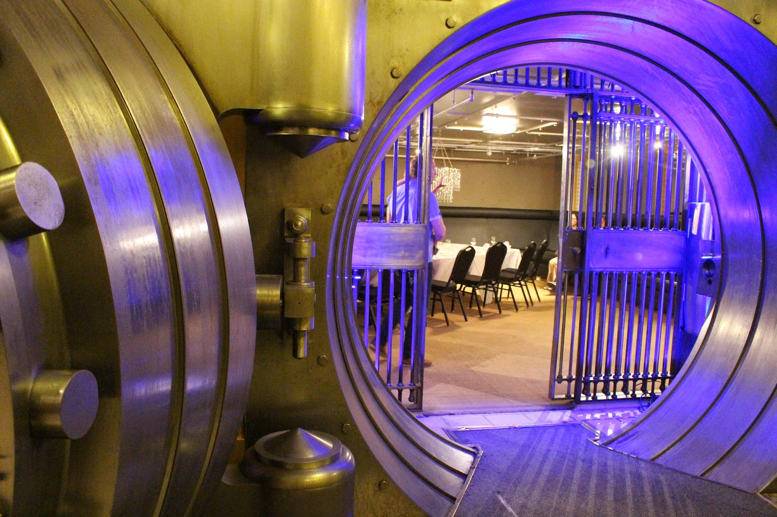 Doors Open Toronto 2014: The Vault at One King West Lifestyle Event Melanie.Ps Blogger Ontario The Purple Scarf Architecture History Buildings
