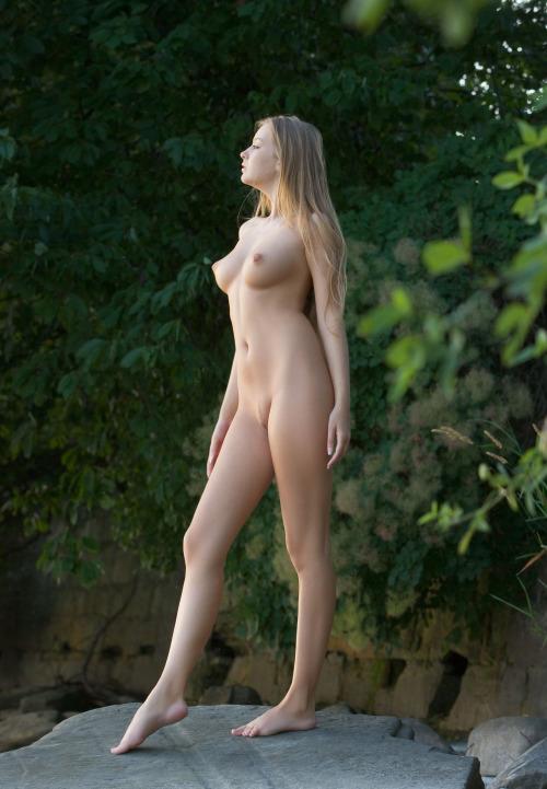 Nude Pix Girls sucking good dick