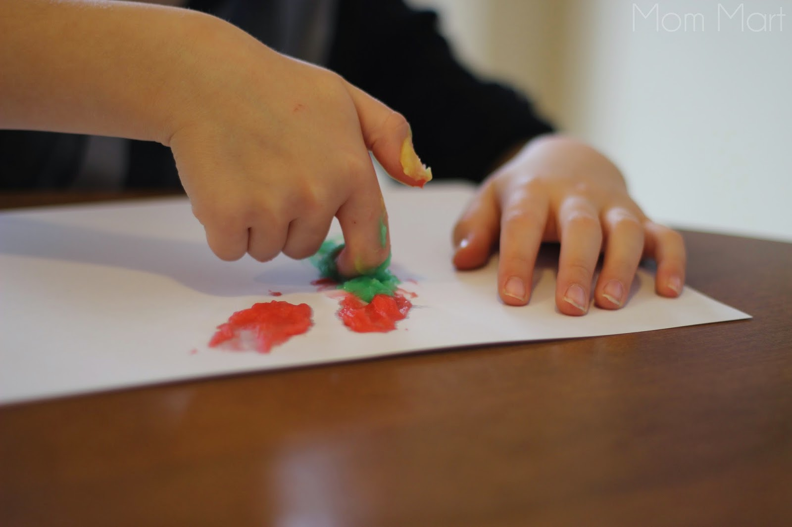 DIY Homemade Finger Paint Recipe - finger painting recipe to make with kids
