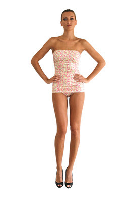carly lee, nanette lapore, one piece swimsuit trend, this season's swimsuit trend, c. style blog, cstyleblog, c style blog, vince camuto, ray ban suglasees, one piece swimsuits