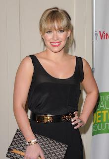 Hilary-Duff-2011-400x600-01.JPG
