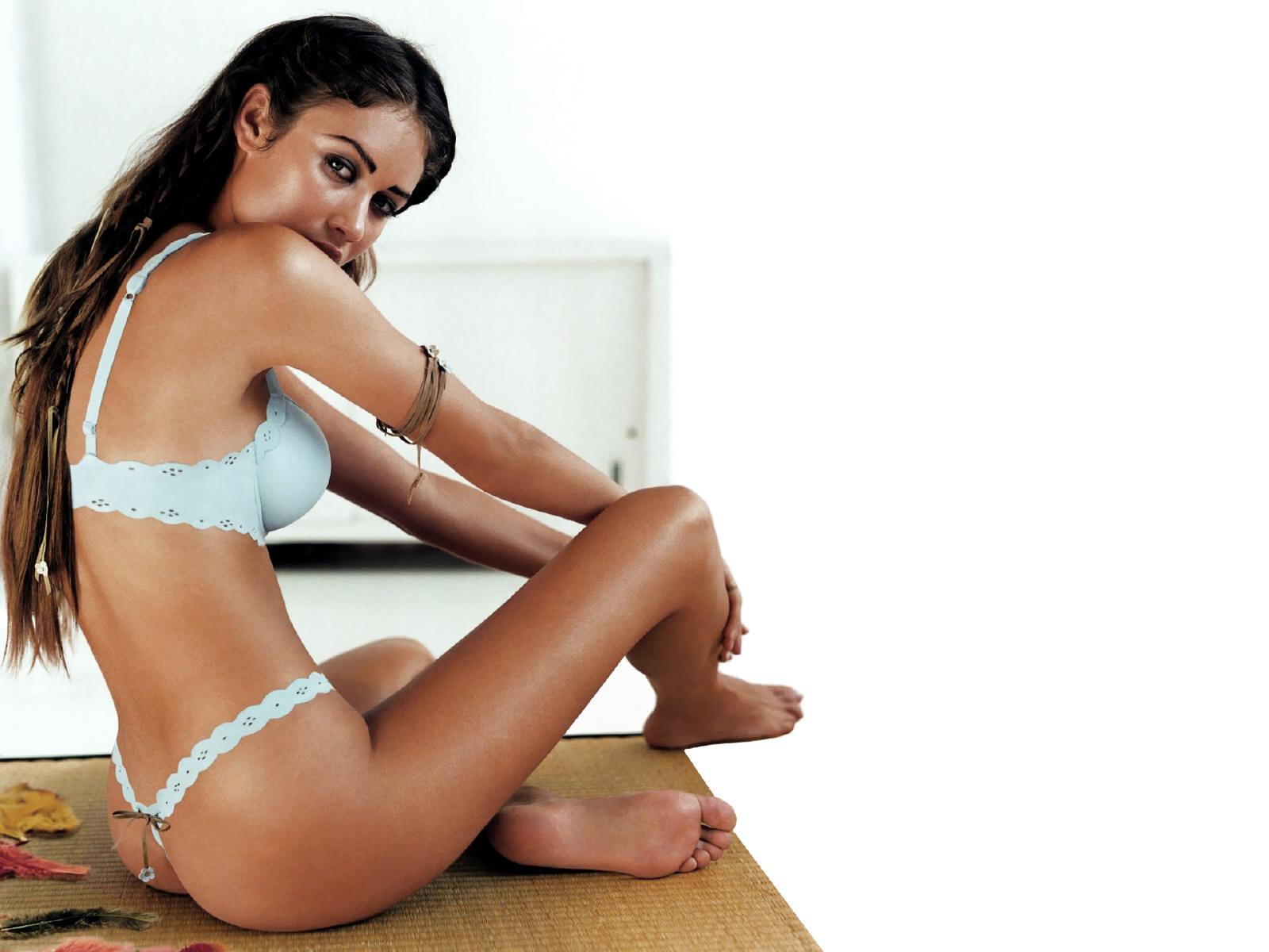 http://2.bp.blogspot.com/-y0XQrz5O5Z0/TZUJ733XmvI/AAAAAAAAAEA/-CWJ-3m7jrY/s1600/lemadesu.blogspot.com--04-best-top-desktop-hot-celebrity-girl-olga-kurylenko-sexy-lingerie-wallpapers-hd.jpg