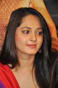 Anushka at rudramadevi trailer launch-thumbnail-18