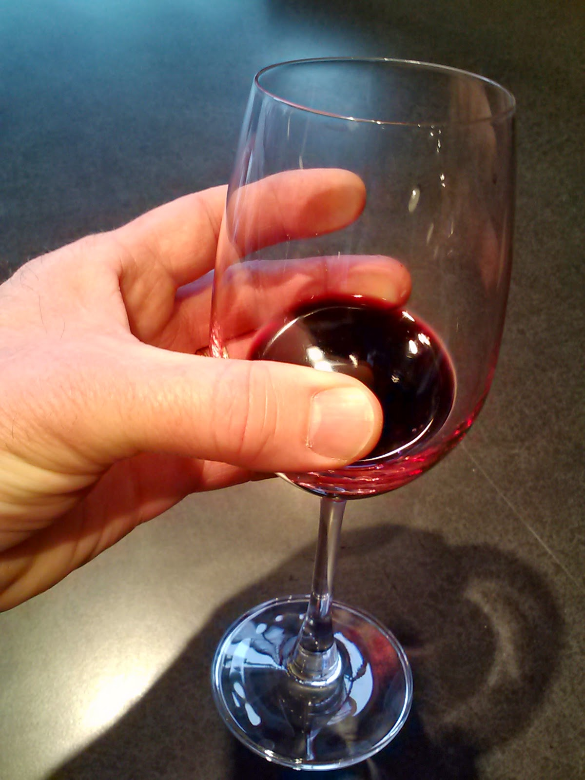 In vino veritas by jonathon alsop 3 ways to hold a wine glass much maligned much smudging ccuart Gallery