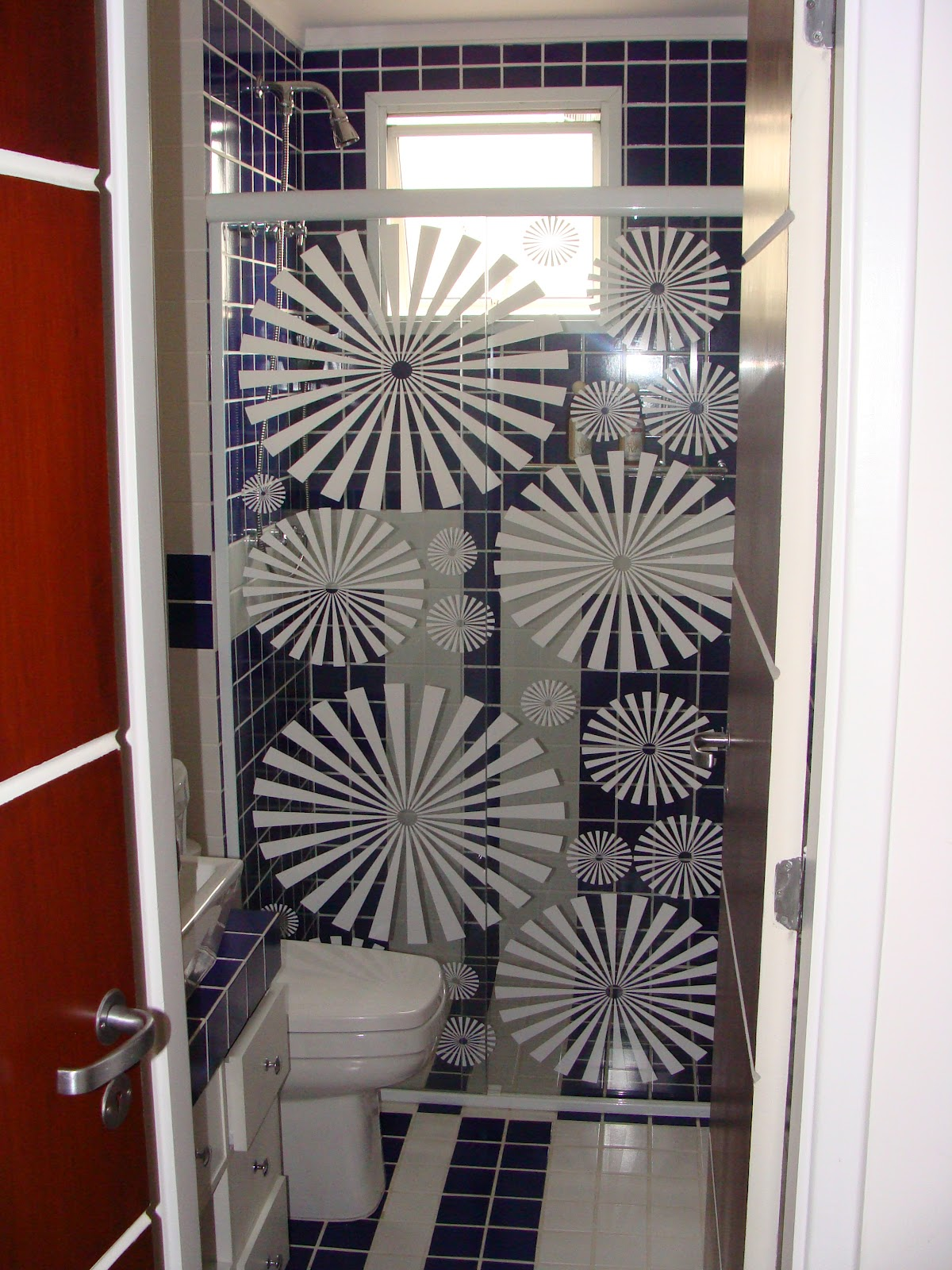 Imagens de #67271A box banheiro adesivo jateado desenho folha de coqueiro aplicado em box  1200x1600 px 2182 Box De Vidro Para Banheiro Jaragua Do Sul