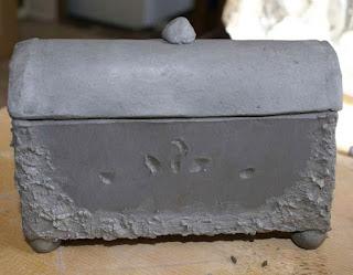 hand-built ceramic pot, hand-built ceramic box, hand-built ceramic box demo