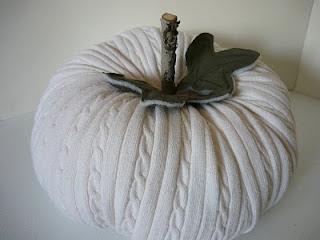 Zucca di halloween da riciclo creativo maglioni