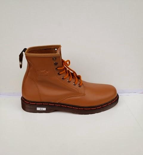Dr.Martins Coklat muda, sepatu boots,Sepatu fashion