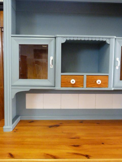 antike m bel k chenschrank um 1900 in hellblau. Black Bedroom Furniture Sets. Home Design Ideas
