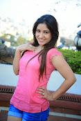 Prabhajeet Kaur Glamorous Photo shoot-thumbnail-56