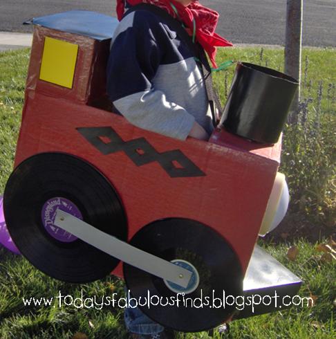 how to make a cardboard box train 2