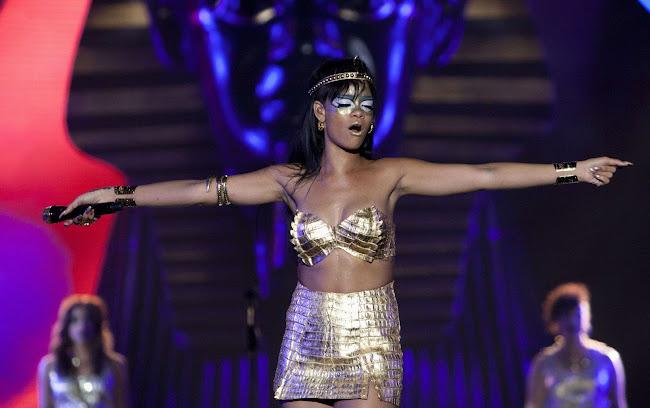 Rihanna photo 2012
