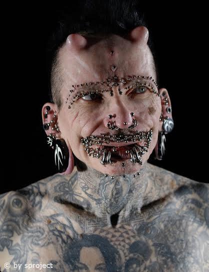 Rolf Buchholz guinness piercings en el mundo