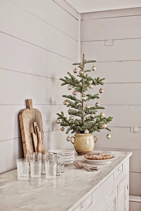 tiny modern rustic Christmas tree