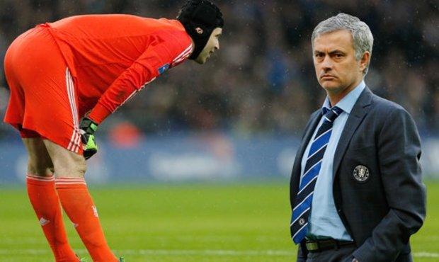 Mourinho Dukung Langkah Penjualan Cech ke Arsenal