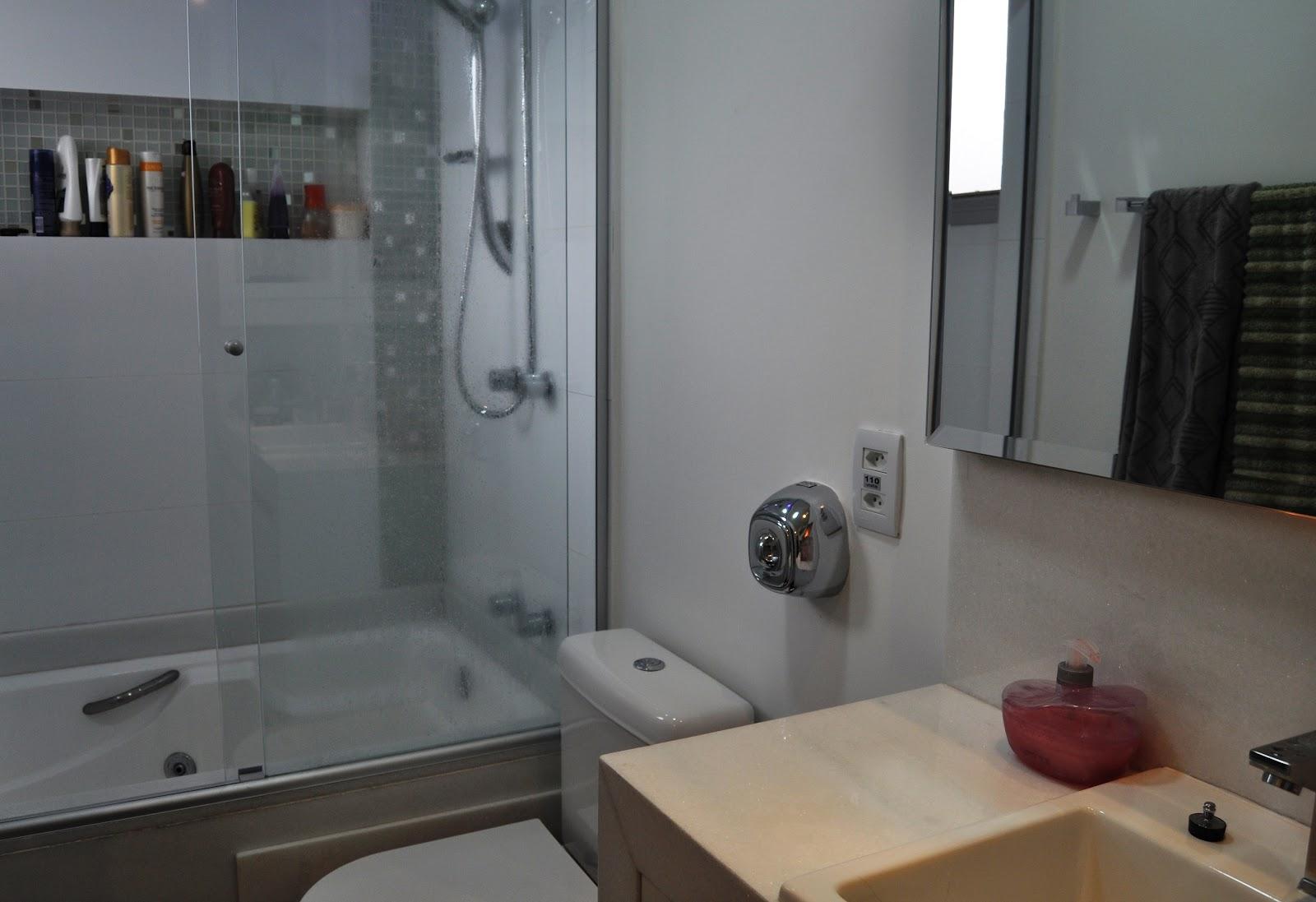 Designer de Interiores Anizio Monteiro: Quarto   Closed   Banheiro  #7C694F 1600 1097
