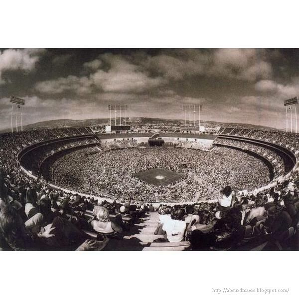 Led Zeppelin concert at Oakland Coliseum, 1977