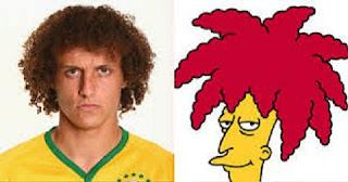 David Luiz, zagueiro da seleção brasileira e do PSG, tem uma certa semelhança com Side Show Bob, personagem do desenhos Os Simpsons.