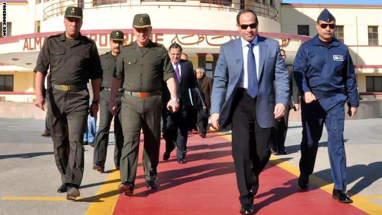 السيسي يبدأ زيارة إلى موسكو وتقارير عن صفقة أسلحة كبيرة