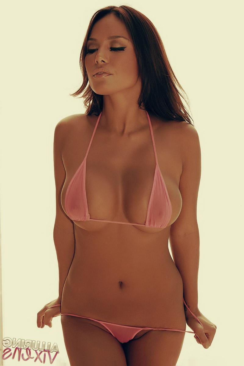 Фото в бикини прозрачном экстремальная 15 фотография