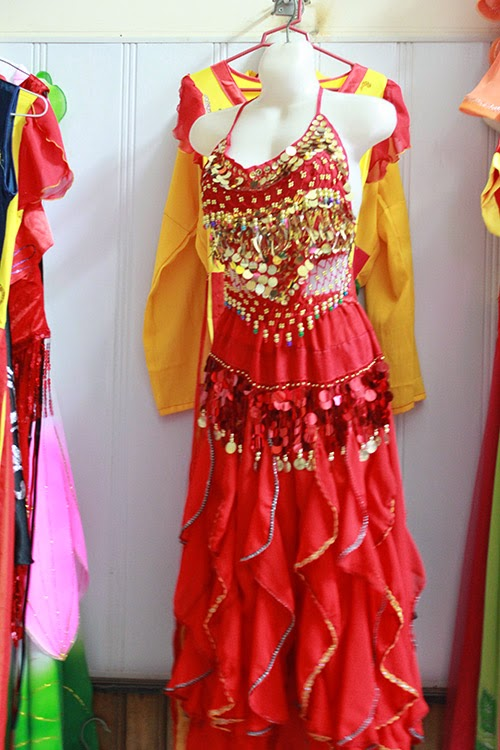 Trang phục biểu diễn Ấn Độ