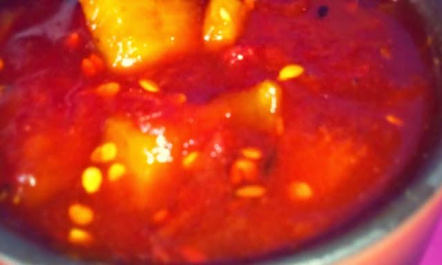 Tomato Amsatto Chutney