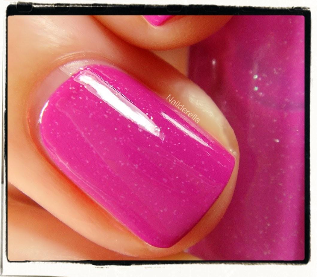 Essie - Naughty Nautical and nail art - Nailderella