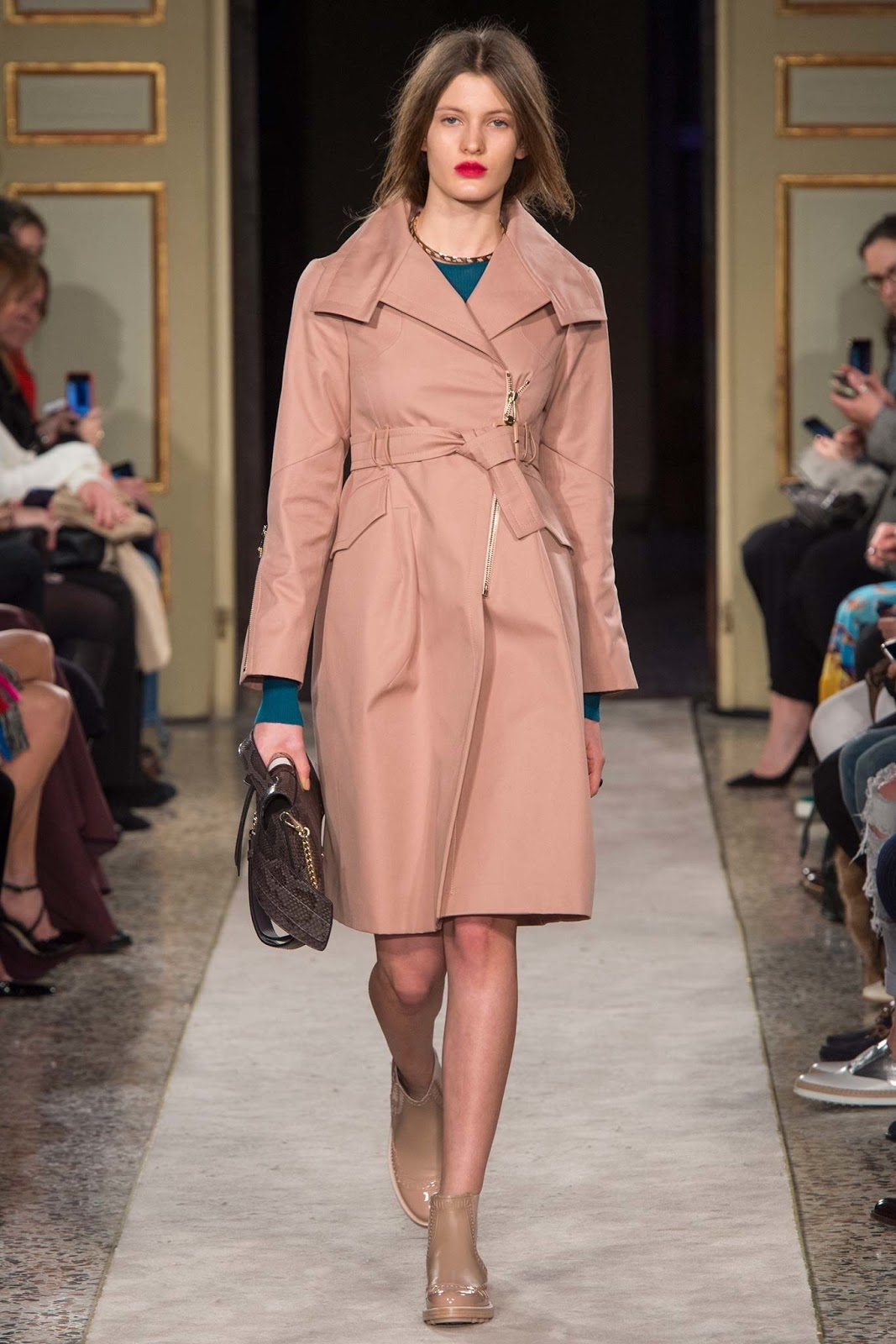 Trench coats as seen on a runway at Tod's Autumn/Winter 2015 via www.fashionedbylove.co.uk
