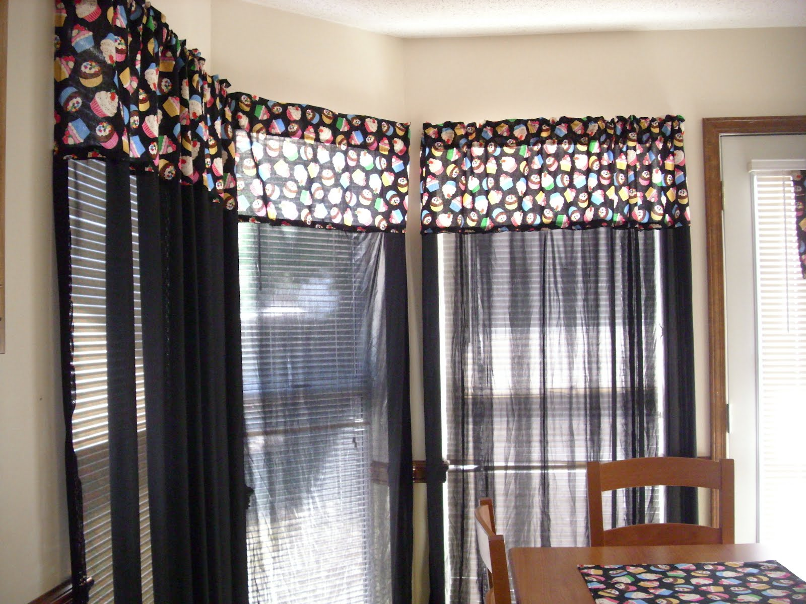 Kitchen Curtains!!