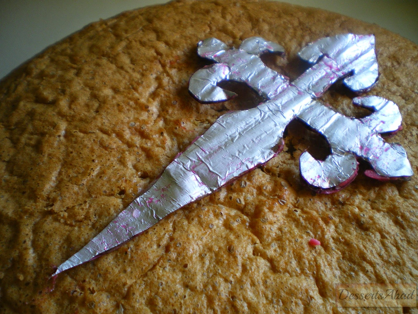 Torta compostelana con cidra (silueta para decoración