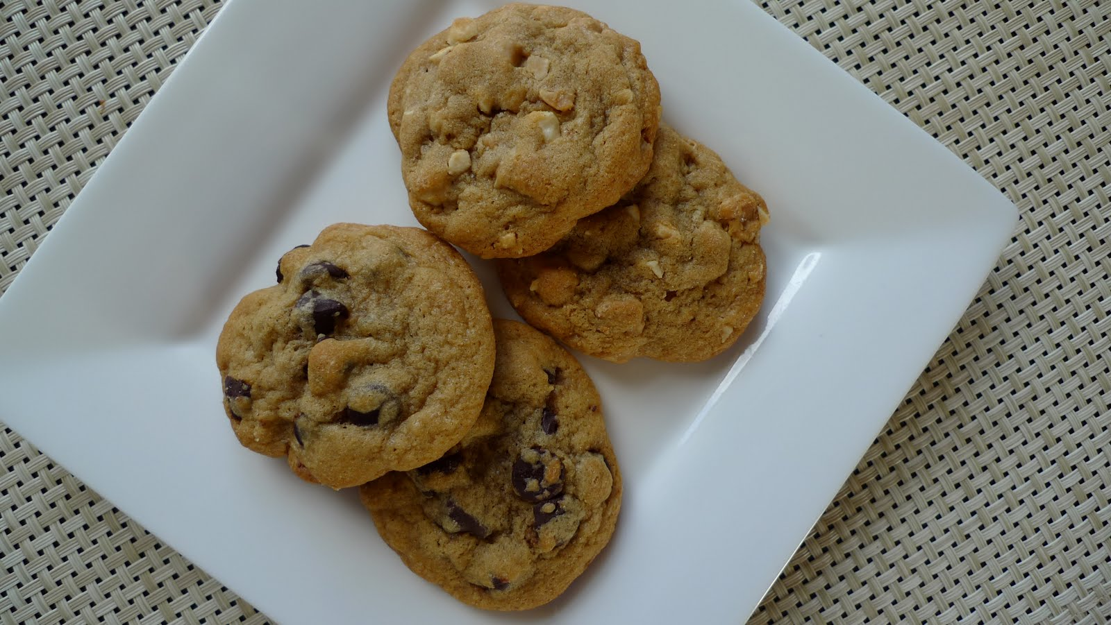 A Mingling of Tastes: Soft and Chewy Cookies 2 Ways: Chocolate ...
