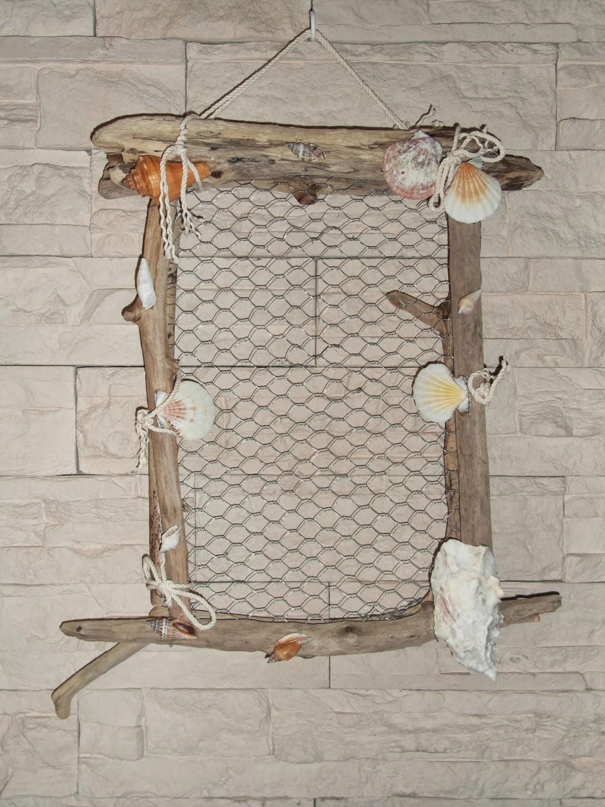 Mimie-Création: Pèle-mêle en bois et grillage flottés et coquillages .