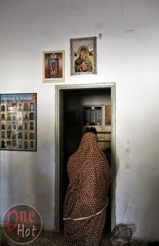 Warga Muslim Gaza mengungsi di Gereja Ortodoks Yunani 19