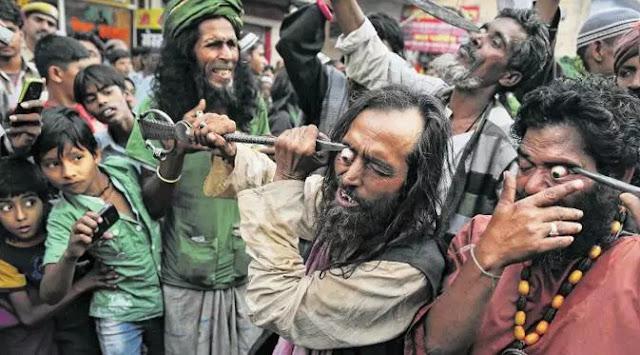 Ritual Mencongkel Mata di India
