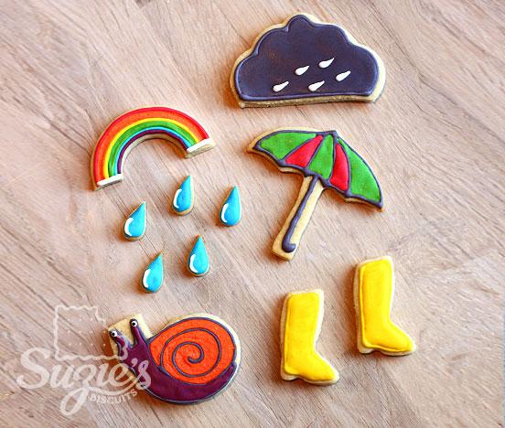 sablés posés sur une table décoration thème pluie