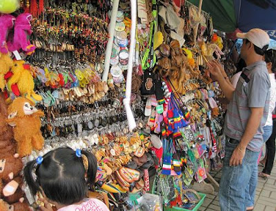 Toxic Souvenirs Being Sold to Philippine Tourists
