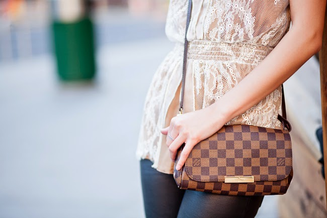 lv louis vuitton gold damier canvas favorite bag clutch
