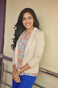 Ritu Varma latest glamorous photos-thumbnail-14