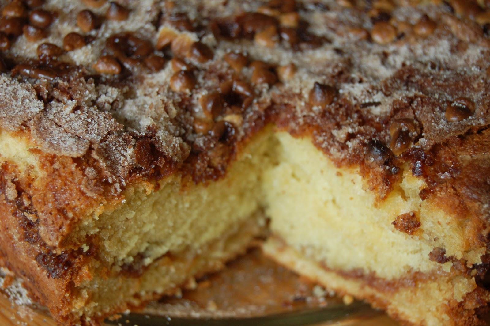 liebe: Chocolate Chip Sour Cream Coffee Cake